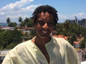 Bira Santos, músico, percussionista, compositor, de Salvador, Bahia, Brasil
